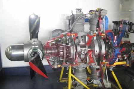 Pratt__Whitney_R-2800_engine_USSMM_1