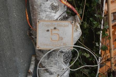 Hausnummer-3