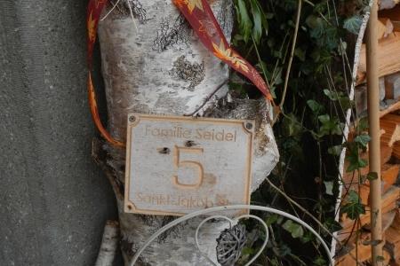 Hausnummer-8